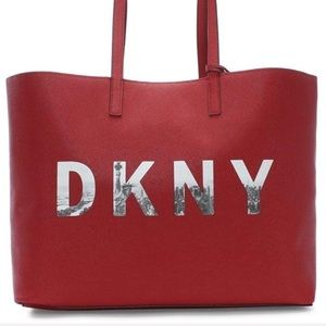 DKNY Brayden Signature Reversible Tote Mocha/Rouge